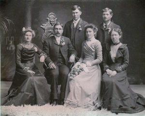 Fassbender-Ellenbecker_1901-04-16_Wedding-Portrait